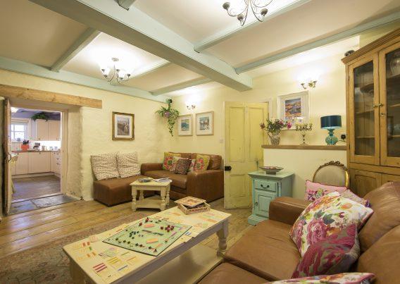 Gentry Lounge 1b